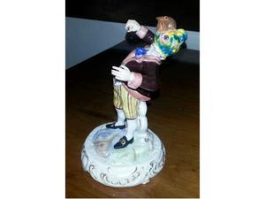 Figurina di direttore d'orchestra in porcellana policroma