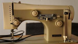 Macchina da cucire necchi type 506 posot class for Pedale per macchina da cucire necchi