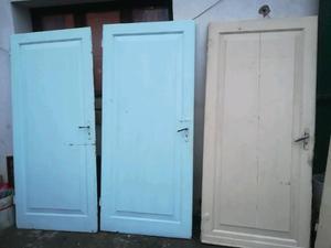 Vecchie porte in legno
