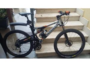 Mountain bike Cannondale left