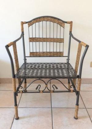 Sedia in ferro battuto e paglia
