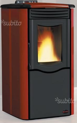Vendo stufa a pellet extraflame karolina posot class for Stufa pellet usata 300 euro