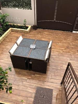 Tavolo da giardino con 4 sedie nuovo