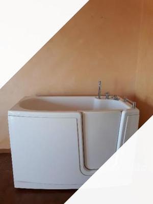 Vasca da bagno con sportello come nuova