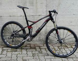 Mountain Bike con telaio specialized in carbonio