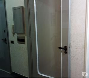 Non.2 porte x interno larghezza 70 altezza standard.
