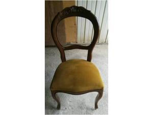 Sedia antica in legno e velluto