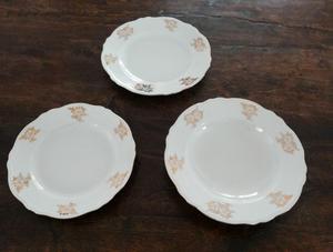 Servizio di piatti decorazione fiori posot class for Servizio di piatti
