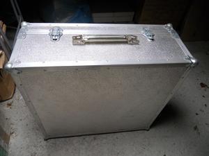 Valigia alluminio usata 24x56,5x61