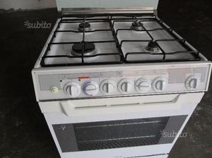 Cucina ariston 7 cuochi con forno posot class - Cucina a gas ariston ...