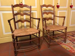 N. 2 sedie provenzali in legno
