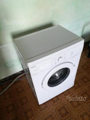 Lavatrice, pari al nuovo, usata per pochi lavaggi