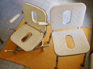 Sedie sedili girevoli da bagno in alluminio e resina. N. 2