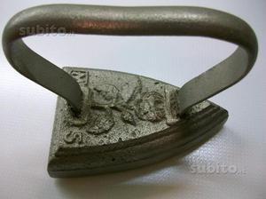 Ferro da stiro a piastra, antico. Da collezione