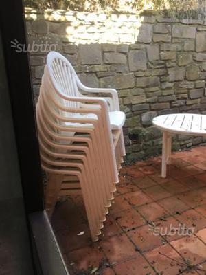 Sedie e tavolo da esterno