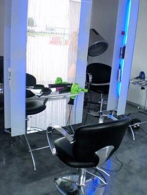 Outlet esempio arredamento completo parrucchieri posot class for Arredamento parrucchieri outlet