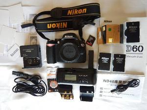 Nikon D60 (solo corpo) con vari accessori