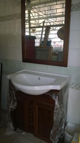 mobile da bagno antico colore noce completo