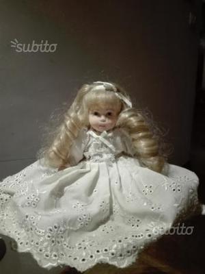 Bambolina in ceramica