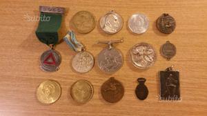 Lotto di 14 medaglie