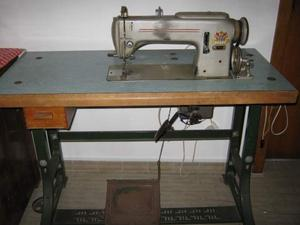 Macchina da cucire professionale pfaff piana posot class for Vendo macchina da cucire
