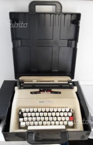OLIVETTI Lettera 35 macchina da scrivere vintage