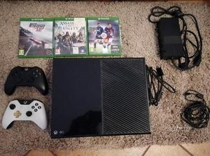 Xbox one 500gb + 2 joystick + vari giochi
