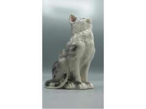 Gattino ceramica in attesa della pappa