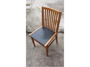 Sedie in legno con seduta in pelle