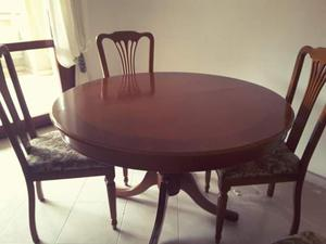 Tavolo con 4 sedie come nuovo