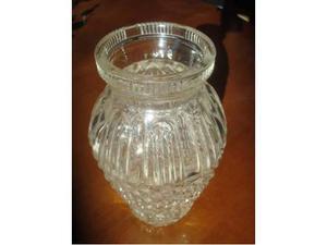 Vaso in vetro in stile Boemia finemente lavorato