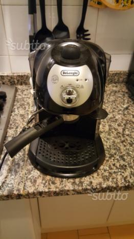 Macchinetta del caffè e cappuccino Delonghi