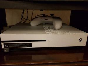 Xbox One S + joypad + 3 giochi + abbonamenti gold e game