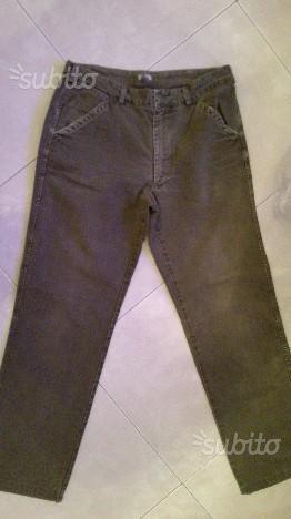 Pantaloni Stone island taglia 48