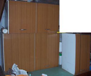 Pensili da cucina a muro marroni con scolapiatti | Posot Class