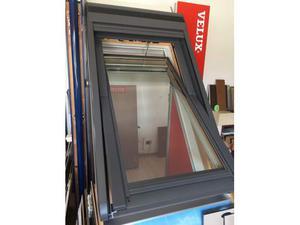Tenda elettrica per finestra velux 66x118 posot class for Finestra velux ggl 404
