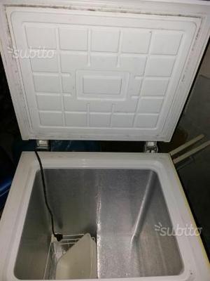 Congelatore orizzontale 150l posot class for Congelatore a pozzetto piccolo