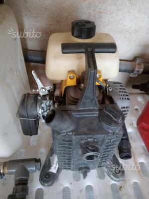 Pompa acqua a scoppio irrigazione 2 tempi posot class for Pompa per irrigazione