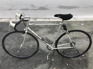 Bici da corsa telaio alan cambio campagnolo