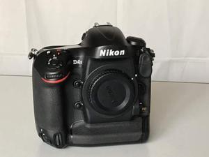 Nikon D4s usata pochissimo