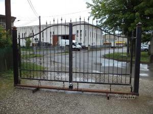 Cancello in ferro di metri 4 su monoblocco