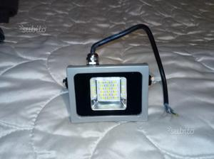 Faro al led v tac floodlight vt nuovo