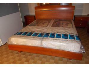 Camera da letto nuova stile moderno