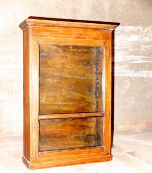 Vetrina di fine 800' in legno massello di castagno