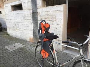 Seggiolino posteriore per bici da 9-22 kg