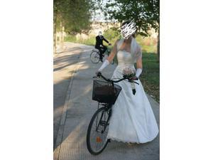 Vendo abito da sposa tg42 a 150 euro.