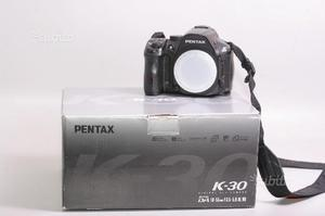 Fotocamera digitale reflex pentax k-30. solo corpo