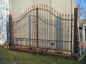 Cancello in ferro naturale di m. 4,0 su monoblocco