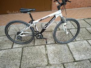 Mountain bike da donna taglia medio piccola