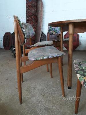 4 sediie con tavolo vintage stile svedese